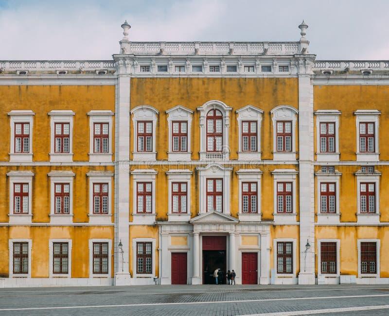 Palacio nacional real del convento y del palacio de Mafra, barroco y neoclásico - monasterio, Portugal foto de archivo