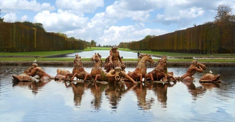 Palacio París de Versalles de la fuente de Apolo fotografía de archivo libre de regalías