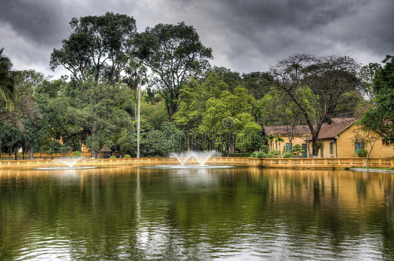 Palacio real de la residencia - Hanoi - Vietnam foto de archivo