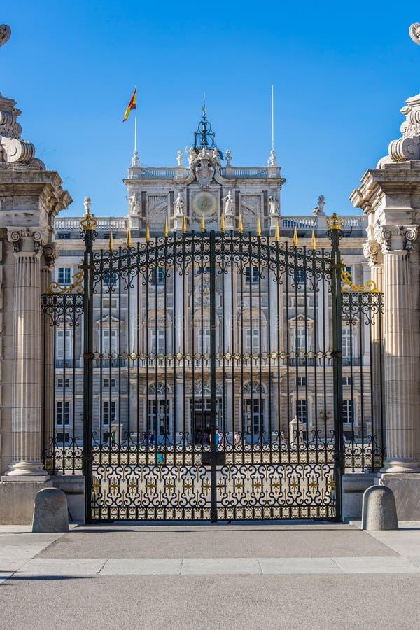 Palacio real - palacio real español en Madrid imagenes de archivo