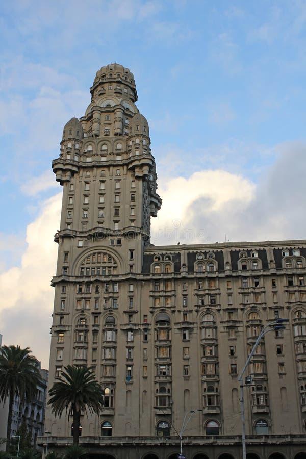 Palacio salva i självständighetfyrkanten, Montevideo arkivfoto