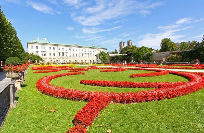 Palacio Y Jardín De Mirabell En Salzburg Imagenes de archivo