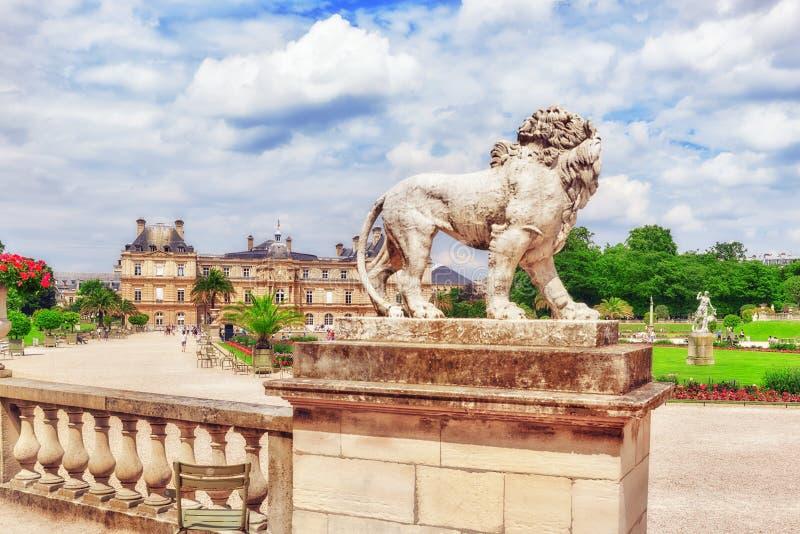 Palacio y parque de Luxemburgo en París, el Jardin du Luxemburgo, imagenes de archivo