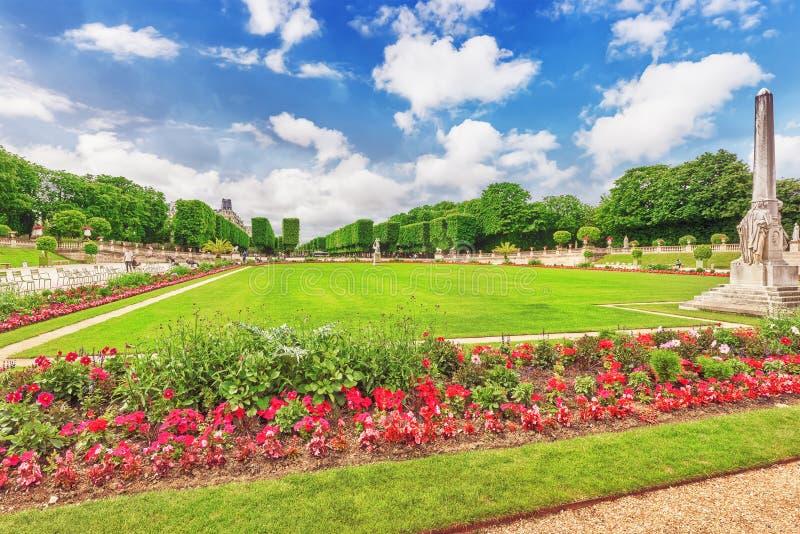 Palacio y parque de Luxemburgo en París, el Jardin du Luxemburgo, o imágenes de archivo libres de regalías