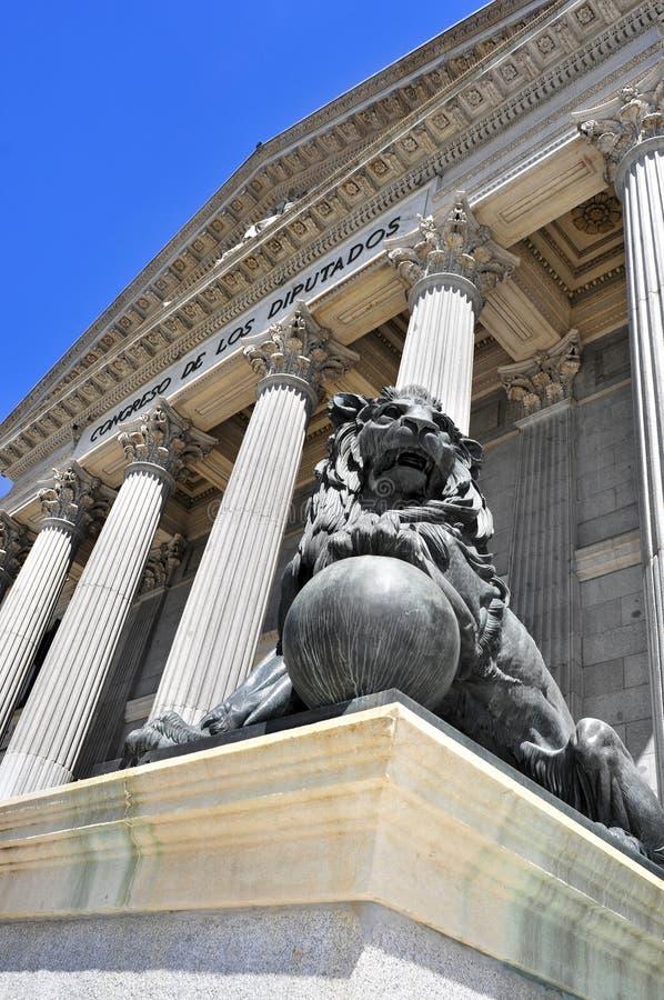 Palaciode La Cortes, zetel van het Congres van Afgevaardigden in Madrid stock foto's