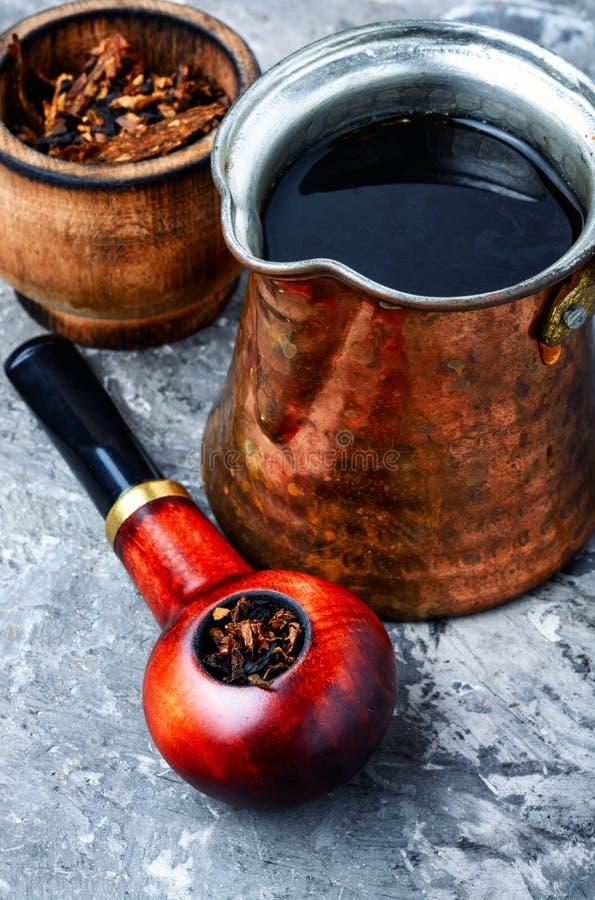 Palacz tabaczna drymba zdjęcie stock