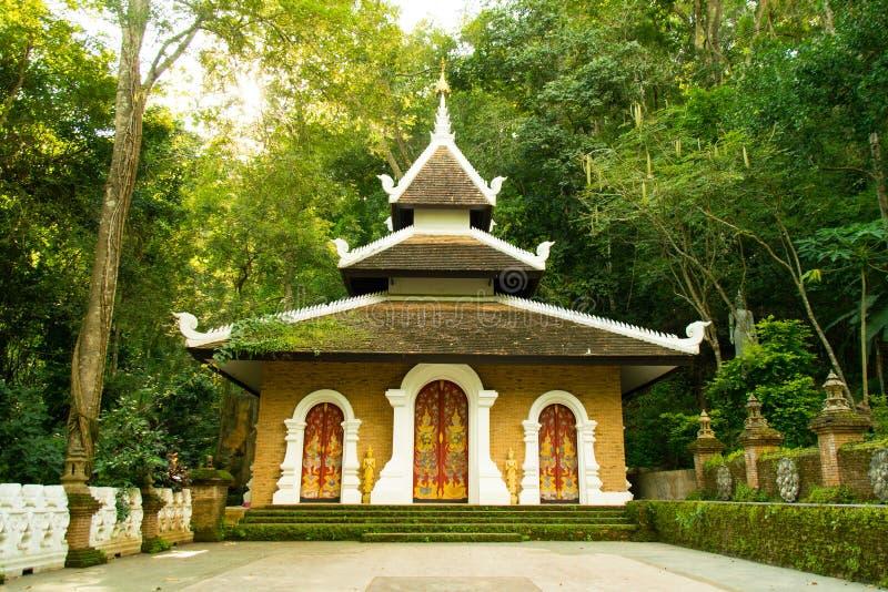 Palad świątynia lub wat chłopaczyna w chiangmai Thailand - pa - obraz stock