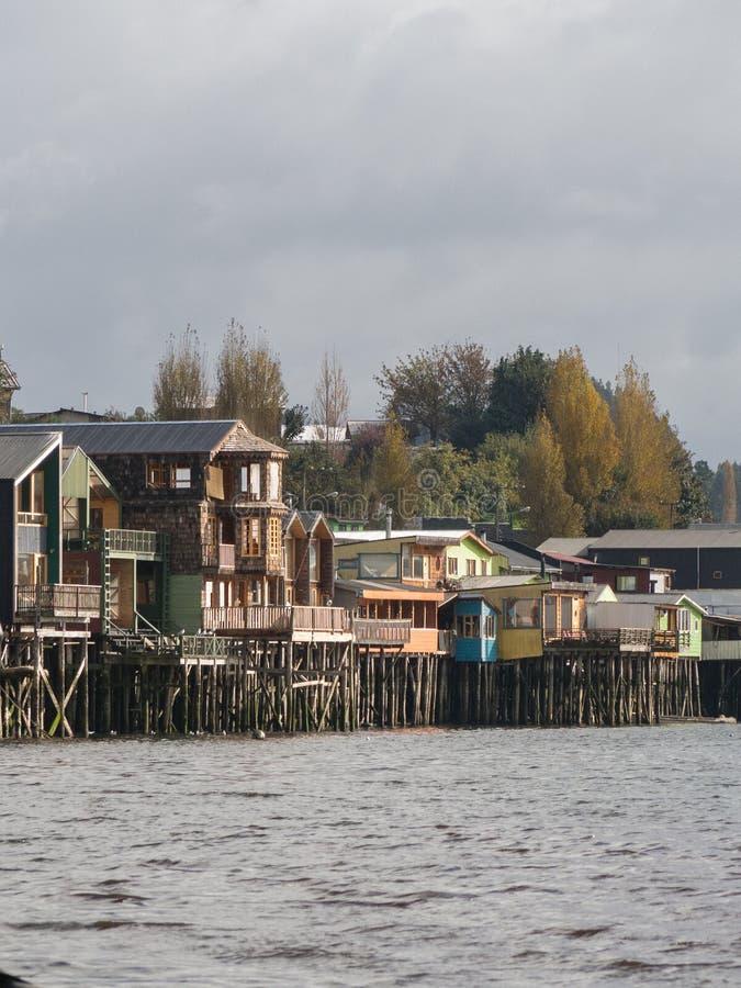 Palafitos en Castro, isla de Chiloe en Chile imagenes de archivo