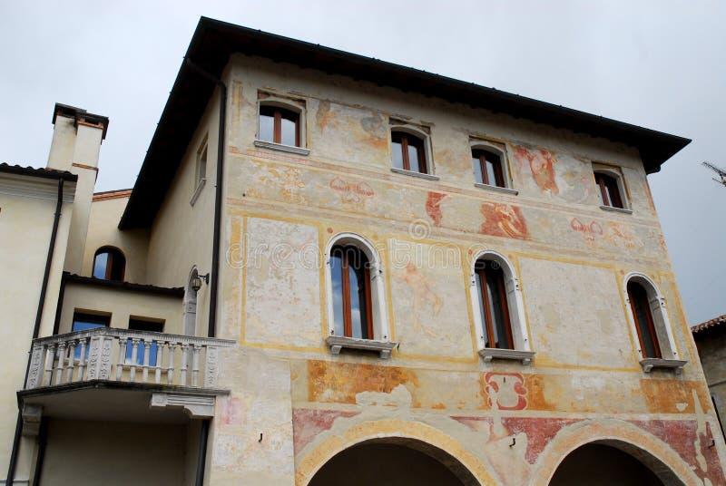Palais avec le mur frescoed dans Portobuffolè dans la province de Trévise en Vénétie (Italie) image stock