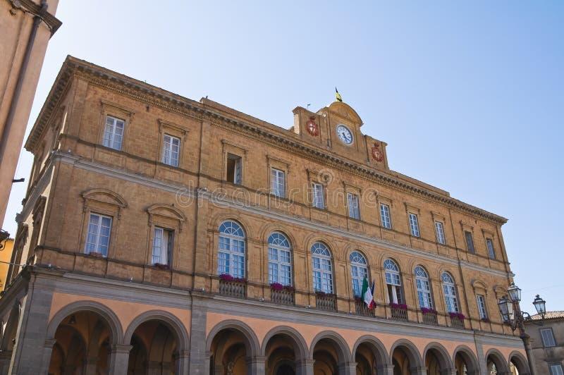 Palais communal. Acquapendente. Le Latium. L'Italie. images stock