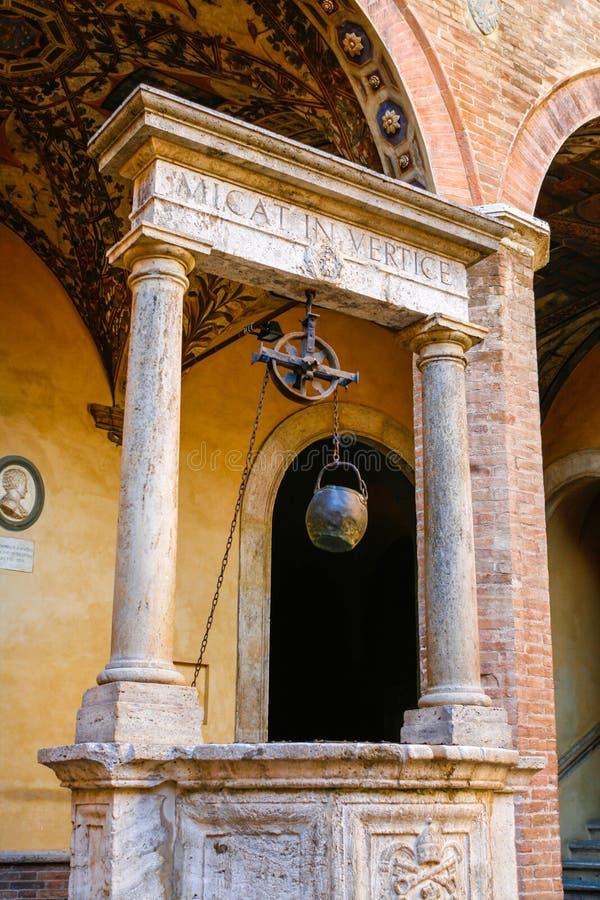 Palais de Chigi Saracini à Sienne, Toscane images libres de droits