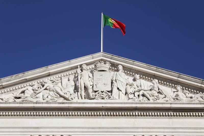 Palais de couronnement de drapeau du Portugal à Lisbonne images stock