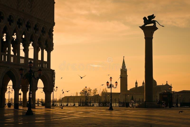 Palais de doges à l'aube à Venise photos libres de droits