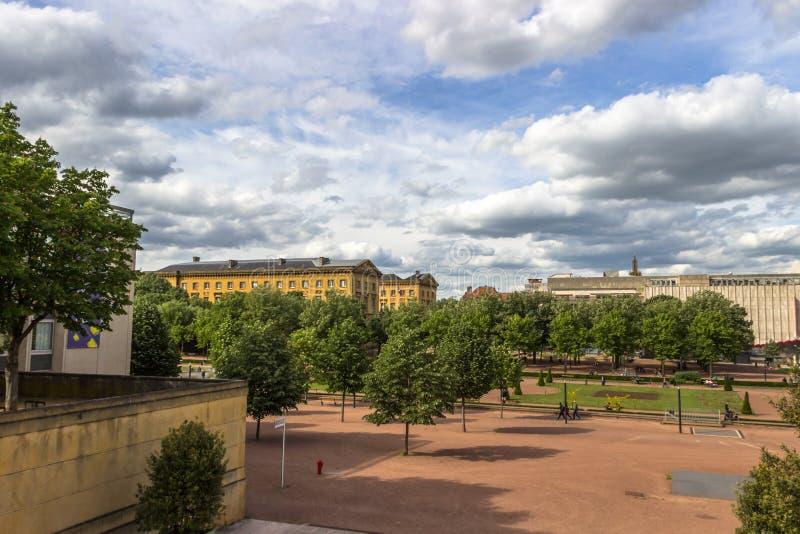 Palais de Justice e lungomare, Metz, Lorena, Francia fotografia stock