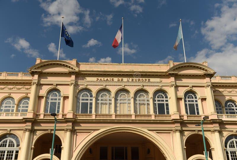 Palais de l'Europe i Menton, teater och konserthall i Menton Frankrike arkivbilder