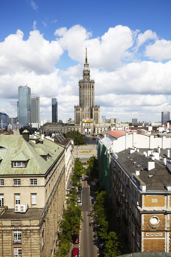 Palais de la Science et de culture à Varsovie par jour image libre de droits