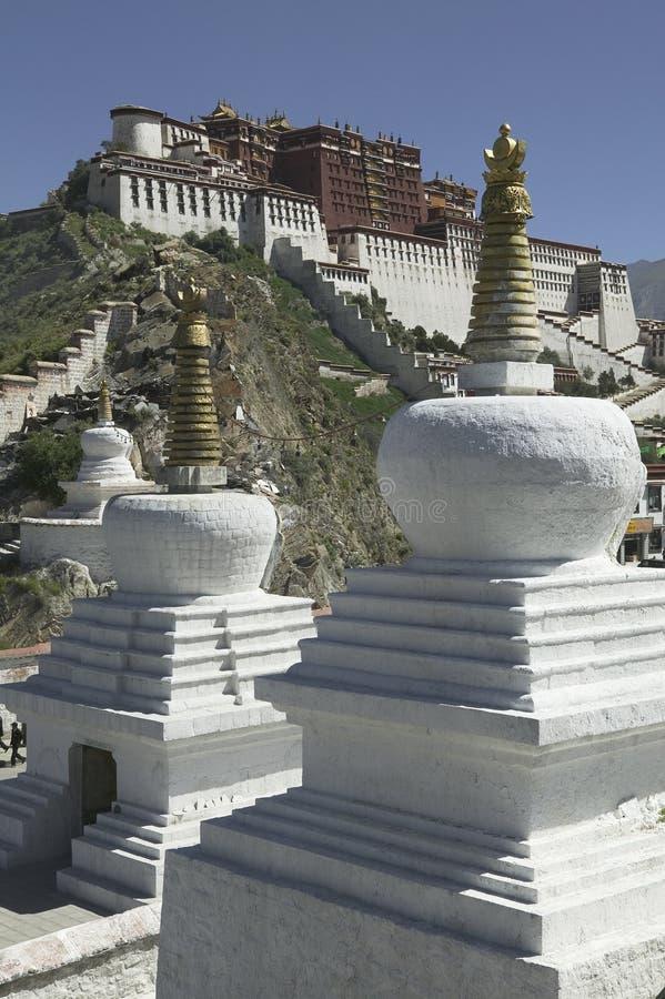 Palais de Potala à Lhasa image stock