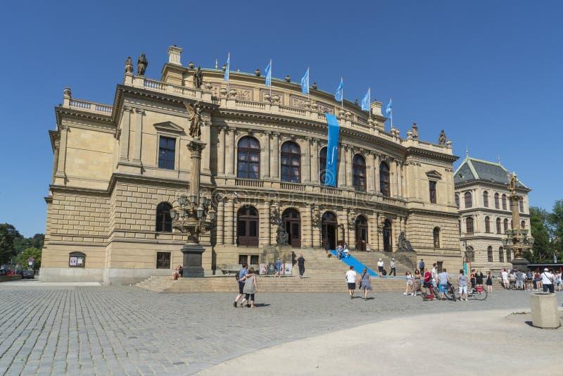 Palais de Rudolfinum à Prague photographie stock