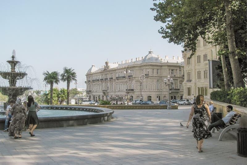 Palais de Seid Mirbabayev sur la place d'Azneft bakou photos stock