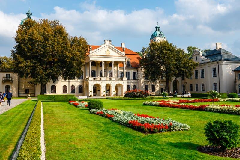 Palais de Zamoyski dans Kozlowka C'est un grand complexe rococo et néoclassique de palais situé dans Ko photos stock