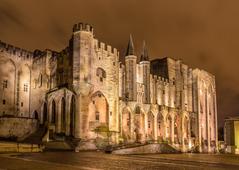 Palais des Papes i Avignon, en UNESCOarvplats, Frankrike royaltyfri fotografi