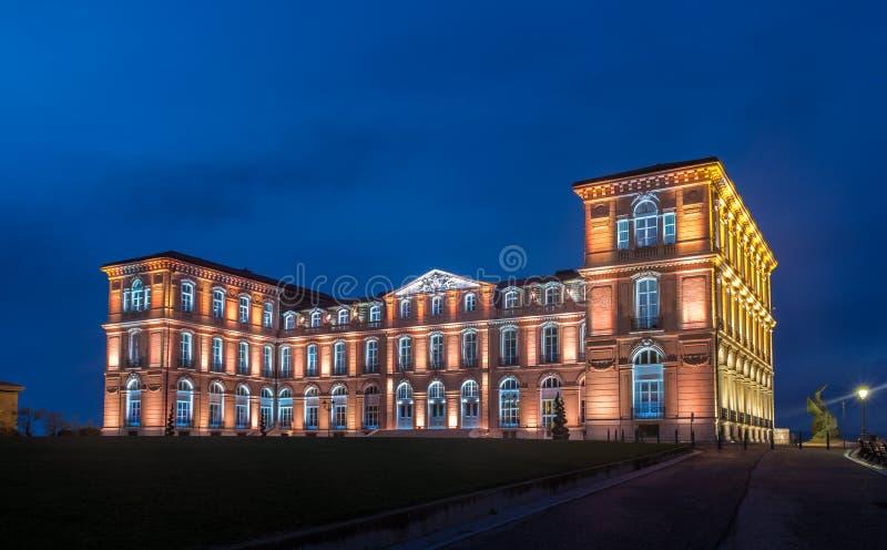 Palais du Pharo in Marseille bis zum Nacht - Frankreich stockbild