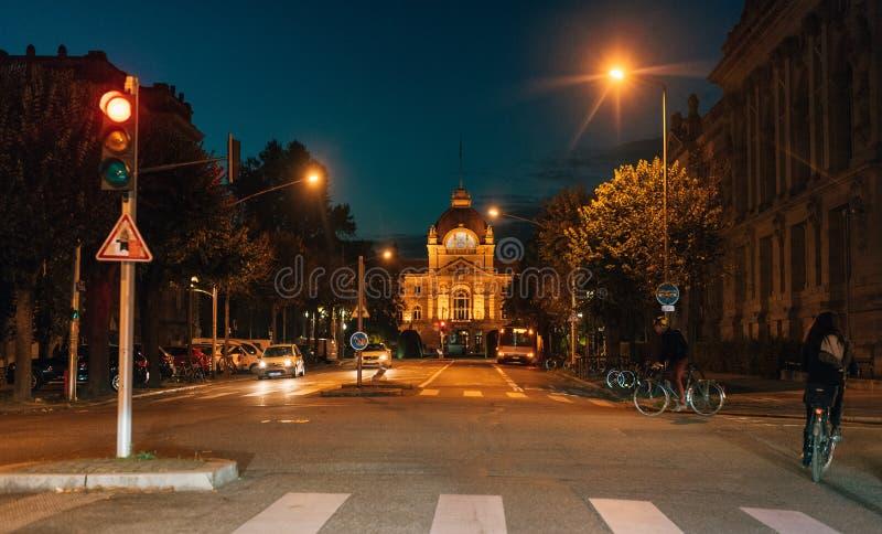 Palais du Rhin bij nacht in Straatsburg, Neustadt Arcnhitecture stock afbeeldingen