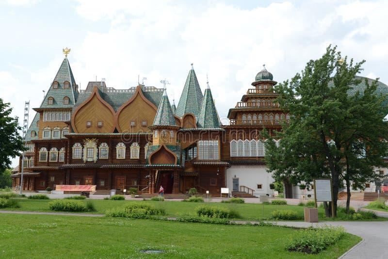 Palais en bois de tsar Alexei Mikhailovich dans Kolomenskoye photographie stock libre de droits