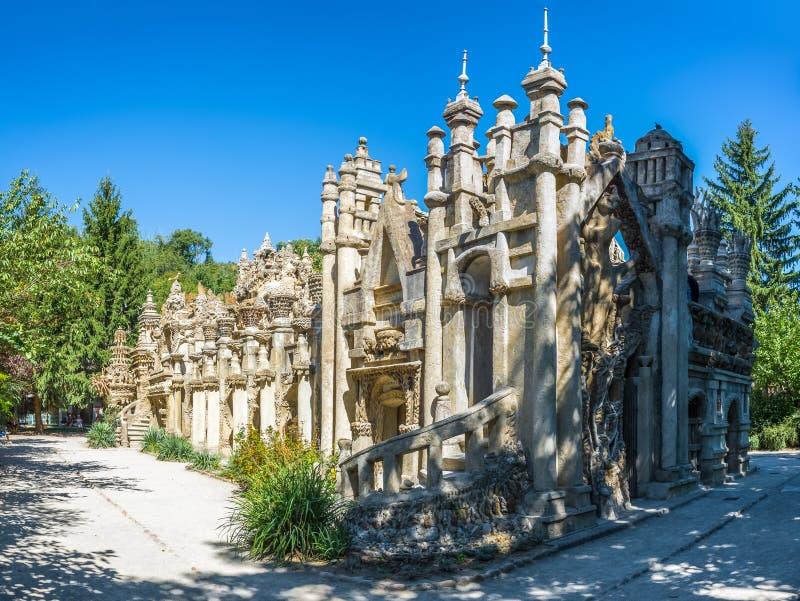 Palais Ideal du Facteur Cheval dans Hauterives - France photo stock
