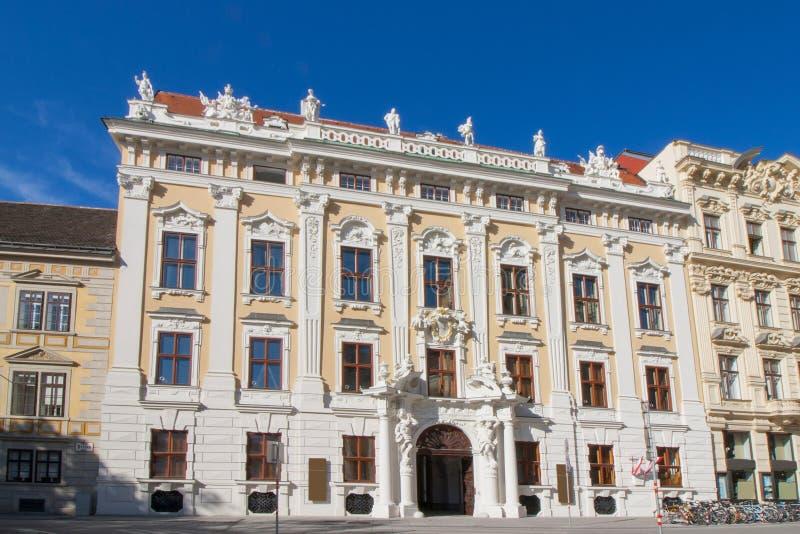 Palais Kinsky i Wien, Österrike fotografering för bildbyråer