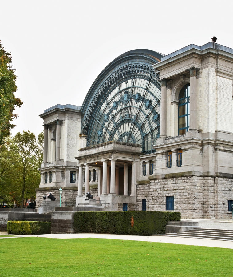 Palais Mondial - Południowy Hall w Jubelpark w Bruksela Belgia zdjęcie stock