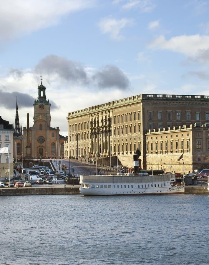 Palais royal et église de Saint-Nicolas à Stockholm sweden photos stock