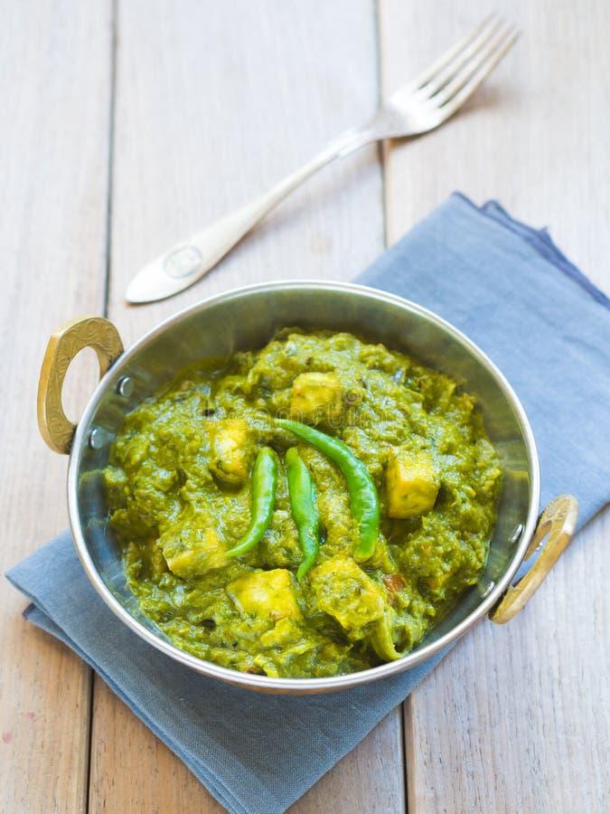 Palak-paneer (indische Küche) stockbilder