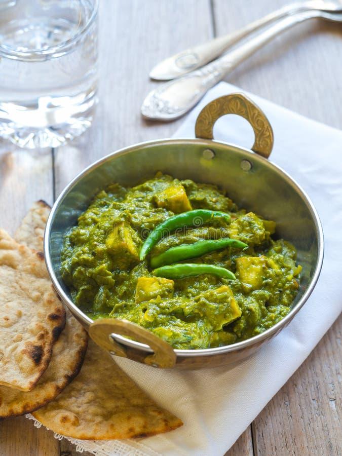 Palak paneer (indisk kokkonst) arkivbild