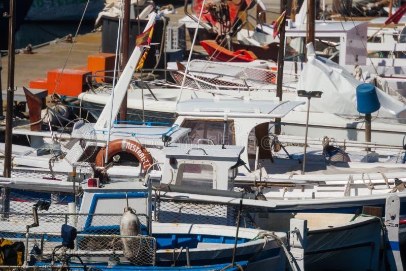 Palamos, Katalonien, kann 2016: Yachten und Boote in Mataro-Jachthafen lizenzfreies stockbild