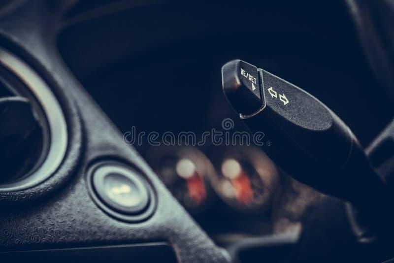 Palanca de la señal de vuelta del coche fotografía de archivo