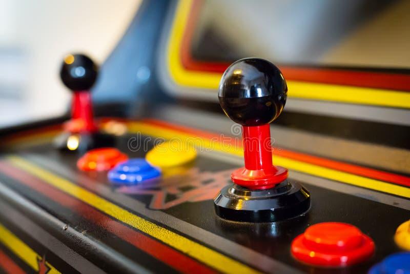 Palanca de mando de un videojuego de la arcada del vintage - Moneda-de Op. Sys. foto de archivo