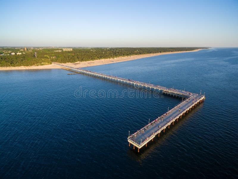 Palanga most w Lithuania ujawnienia zawodnik bez szans zmierzchu czas zdjęcia stock