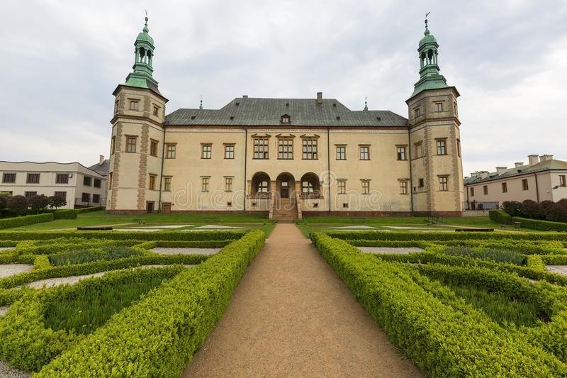 Palast des 17. Jahrhunderts der Krakau-Bischöfe in Kielce, Polen stockfotografie
