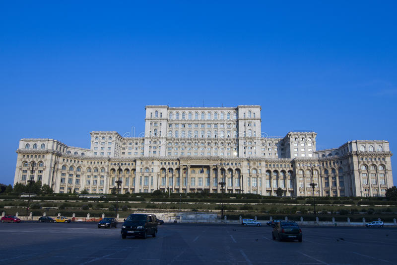 Palast des Parlaments wissen als Casa poporului von Rumänien stockbild