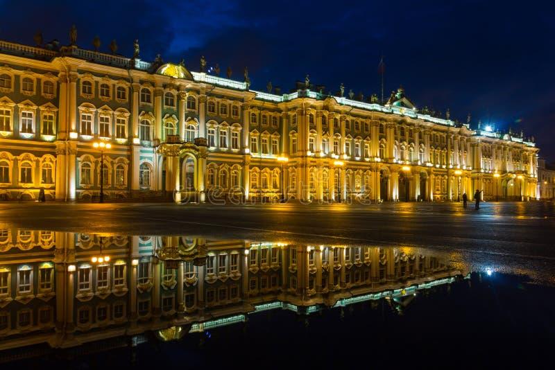 Palast-Quadrat, St Petersburg, Russland lizenzfreie stockfotos