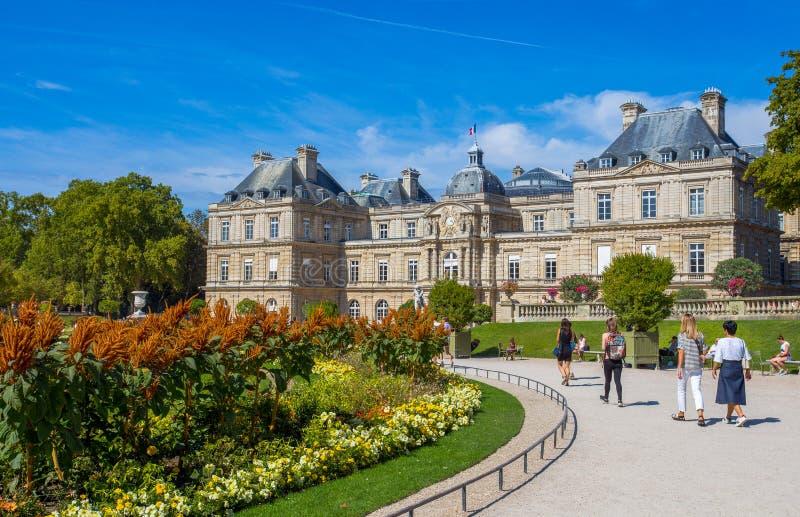 Palast von Luxemburg-Gärten, Paris, Frankreich lizenzfreies stockfoto