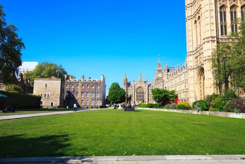 Palast von Westminster, Big Ben in London stockbild