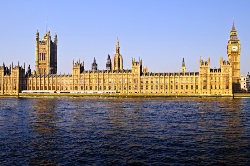 Palast von Westminster mit Big Ben lizenzfreie stockbilder