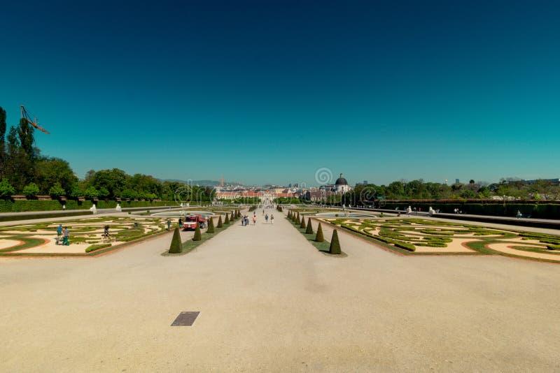 Palastgarten Belvedere in Wien, Österreich stockbild