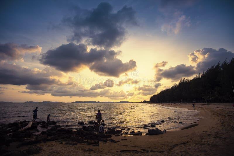 Palastrand wanneer zonsondergang royalty-vrije stock afbeelding