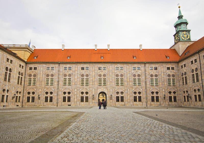 Palastvorhof Münchens Deutschland - Residenz stockbild