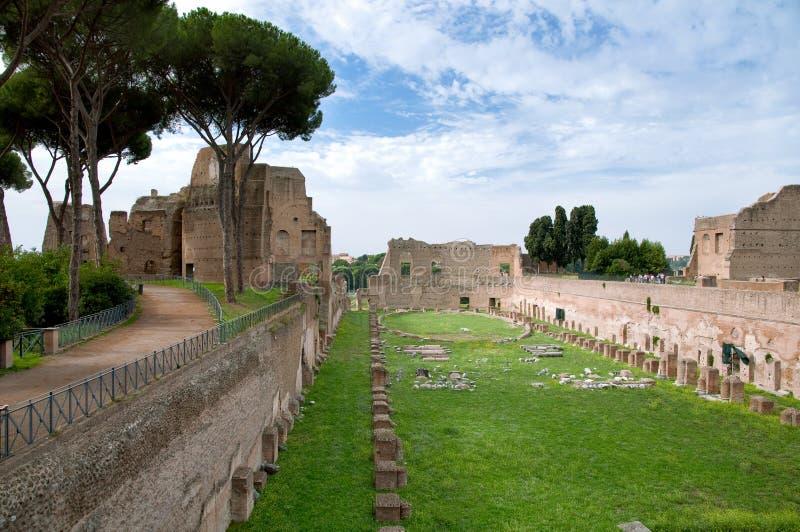 Palatino在Monte Palatino -罗马-意大利从事园艺 免版税库存图片
