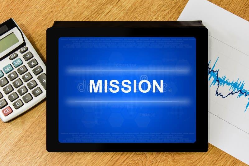 Palavra da missão na tabuleta digital foto de stock royalty free