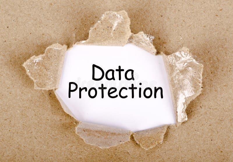 Palavra da proteção de dados escrita no papel rasgado ilustração royalty free